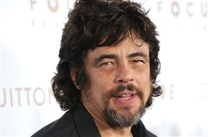 Free Benicio Del Toro Screensaver Download