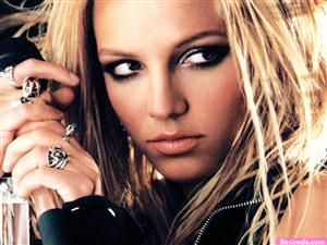 Free Britney Spears Screensaver Download