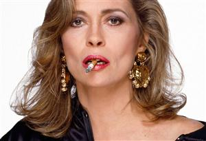 Free Faye Dunaway Screensaver Download