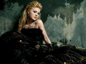 Free Kelly Clarkson Screensaver Download