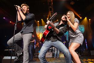 Free Lady Antebellum Screensaver Download