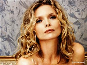 Michelle Pfeiffer Screensaver Sample Picture 2