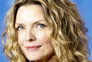 Michelle Pfeiffer Screensaver Sample Picture 3